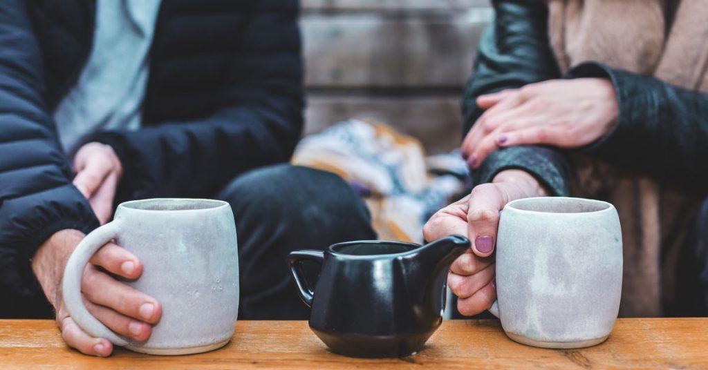איך להתניע שיחה תקועה